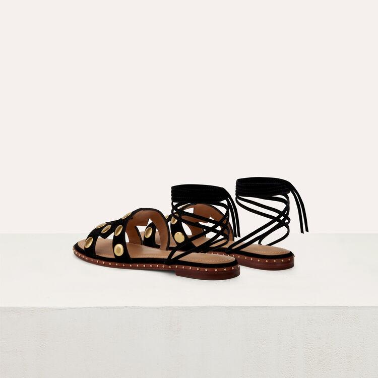 Sandales plates avec studs en cuir : Chaussures plates couleur