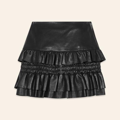 Jupe en cuir à volants : Jupes & Shorts couleur BLACK