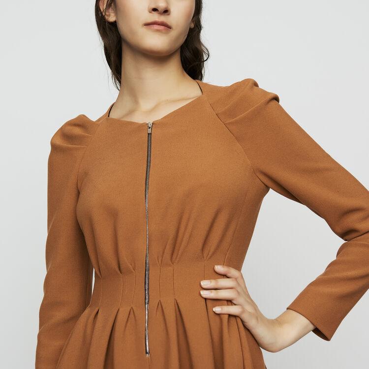 Robe patineuse avec détails plissés : Robes couleur Camel