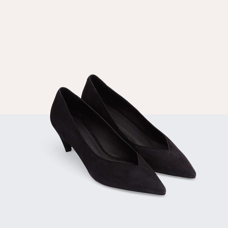 Escarpins en cuir de suède avec découpe : Accessoires couleur Black