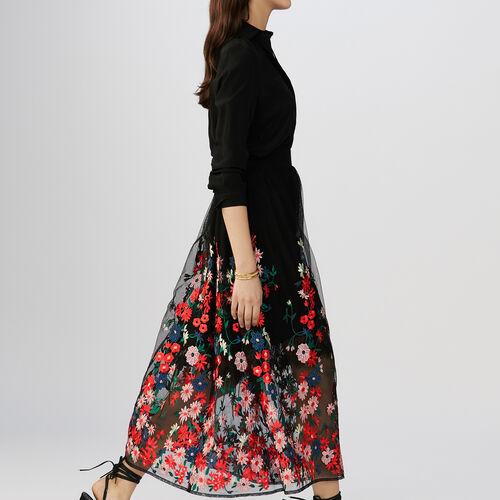 Jupe en tuile brodée de fleurs : Jupes & Shorts couleur Black