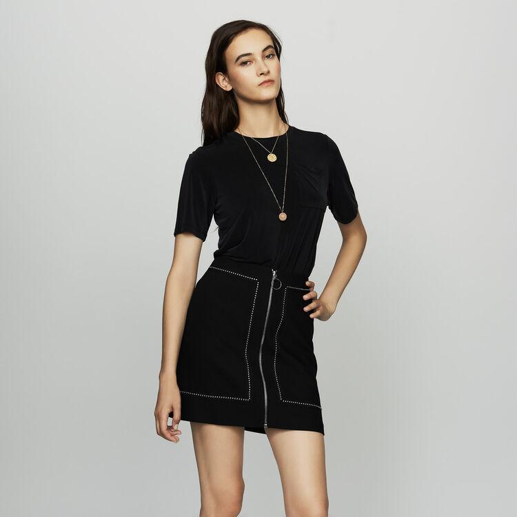 Jupe courte en crêpe avec studs : Jupes & Shorts couleur Black