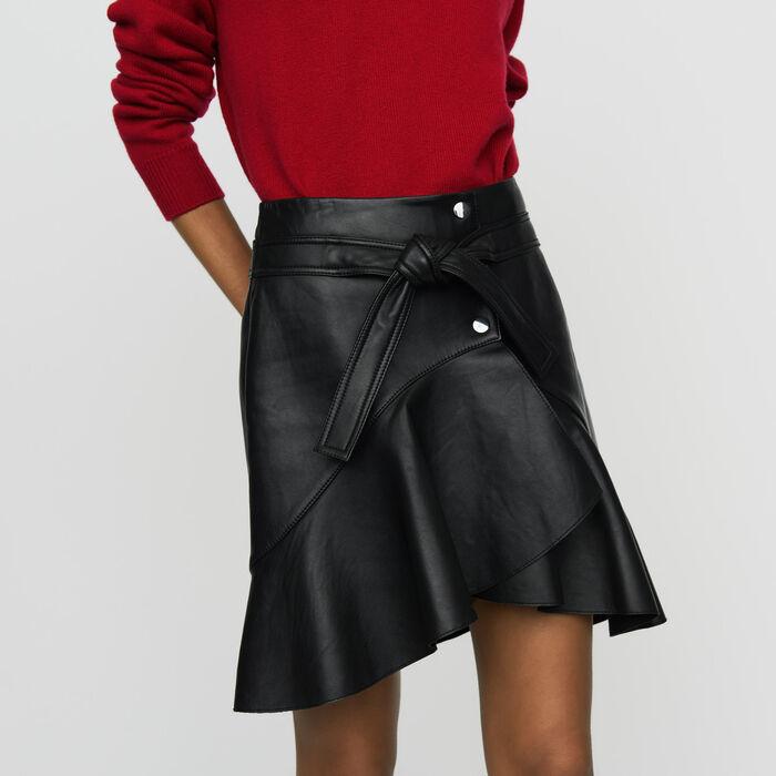 Jupe asymétrique en cuir doublée coton : Jupes & Shorts couleur Black