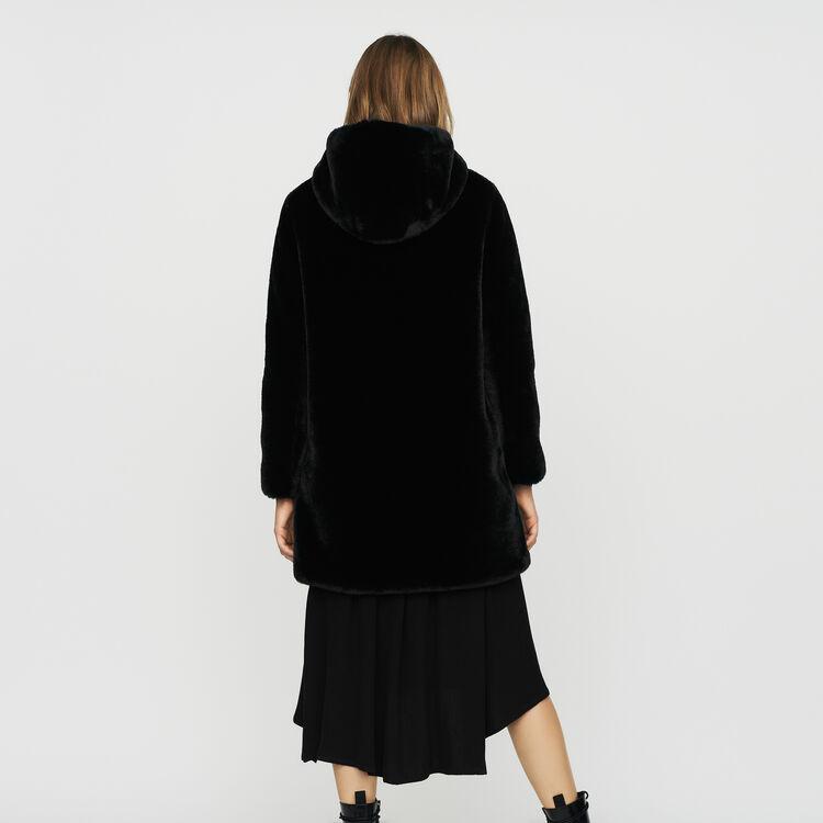 Blouson en fausse fourrure à capuche : Manteaux couleur Black