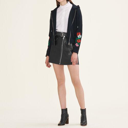 Sweat à capuche brodé : Pulls & Cardigans couleur Black
