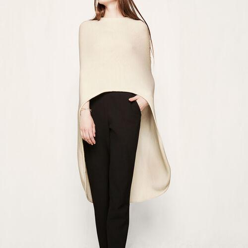 Poncho asymétrique en laine : Pulls & Cardigans couleur Blanc Casse