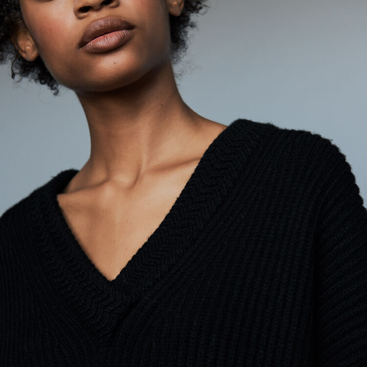 Pull manches longues col V : Maille couleur Black