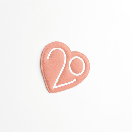 Patch X Maje 20 ans : Gadgets couleur Rose