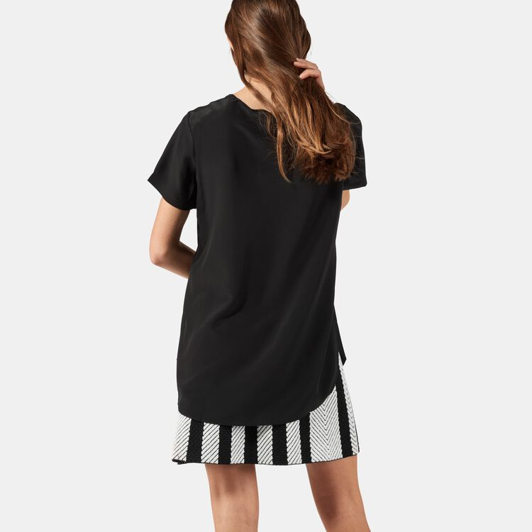 Top en soie avec détails travaillés : Tops couleur Black