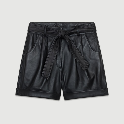 Oversized leather shorts : Leather color Black 210