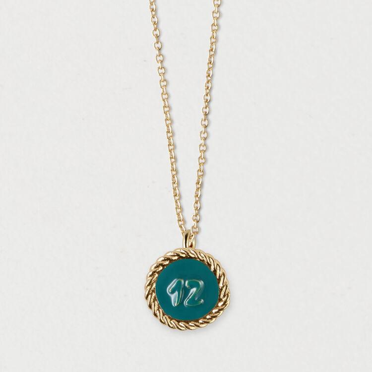Médaillon numéro 12 : Bijoux couleur OR