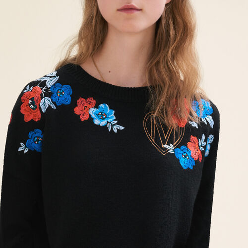 Fine knit jumper with embroidery : Sweaters & Cardigans color Black 210